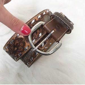 {Vintage} Saddle Leather Armadillo Print Belt
